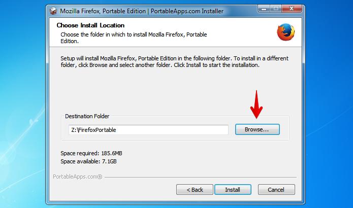 Clique sobre o botão indicado para selecionar o pen drive (Foto: Reprodução/Helito Bijora)