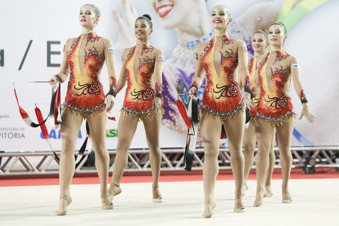 Brasil, fitas, ginástica rítmica (Foto: Ricardo Bufolin/CBG)