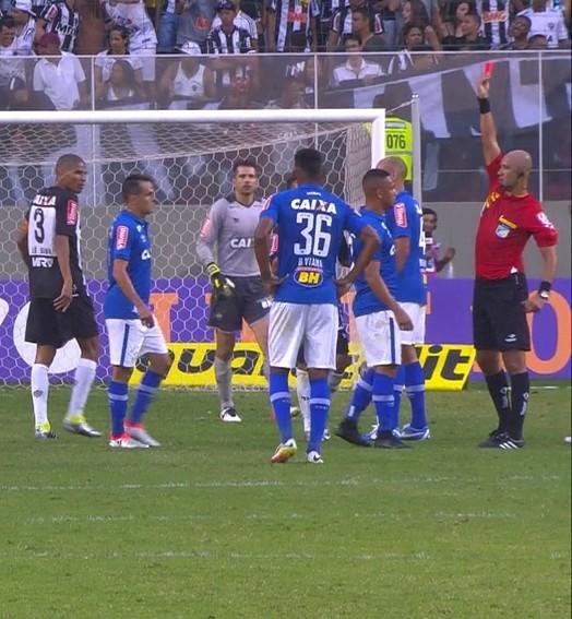 Cruzeiro perde meio time para quarta; Bento avalia expulsões reincidentes (Foto: Divulgação/ Globo Esporte)