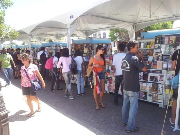 Feira de Livros em Cabo Frio, RJ (Foto: Laís Vargas/G1)