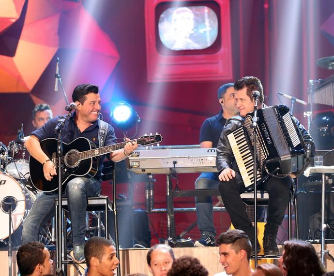 Bruno e Marrone se apresentam no programa Altas Horas (Foto: Carol Caminha/Gshow)