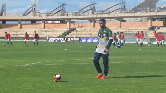 Labilá, goleiro do São Francisco (Foto: Dominique Cavaleiro/GloboEsporte.com)