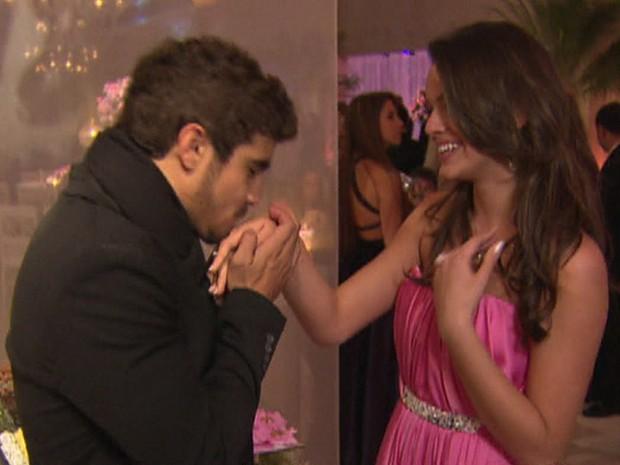Caio Castro foi o príncipe de Bruna Marquezine em 2010 na festa de debutante da atriz (Foto: TV Globo)
