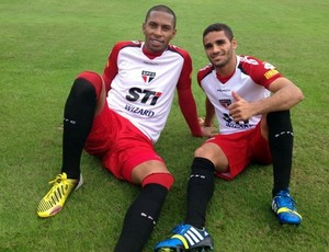 Paulo Miranda e Douglas (Foto: Divulgação/ Site Oficial do São Paulo)