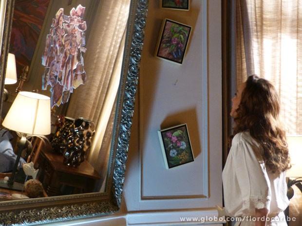 A cantora fica horrorizada com mural bizarro (Foto: Flor do Caribe/TV Globo)