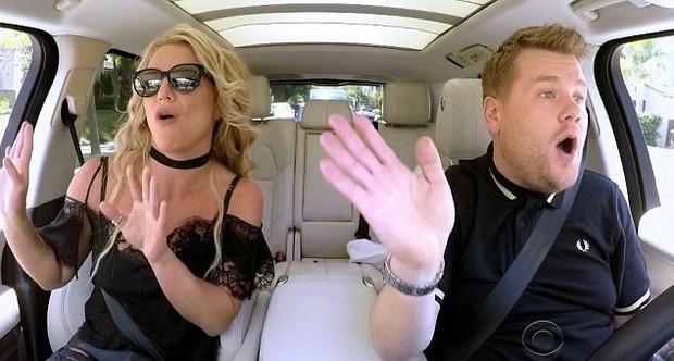 Britney Spears e James Corden (Foto: Reprodução)