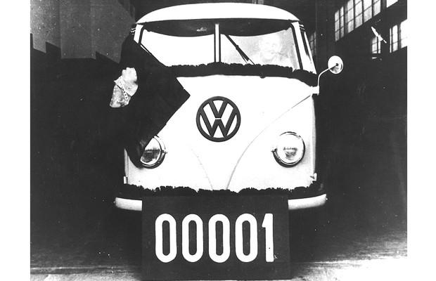 Primeiro Volkswagen Kombi fabricado no Brasil 1957 (Foto: Divulgação)