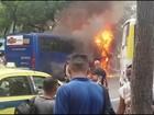 Ônibus pega fogo no Centro do Rio
