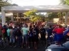 Servidores em greve bloqueiam portões da UFPA