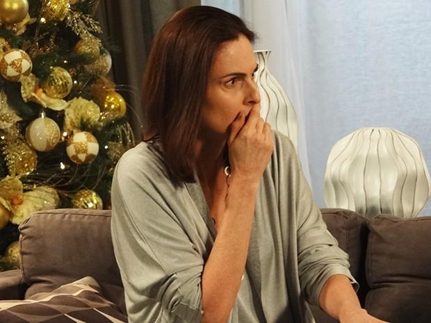 Úrsula fica chocada com a atitude de Marieta (Foto: Tatiana Helich/Gshow)
