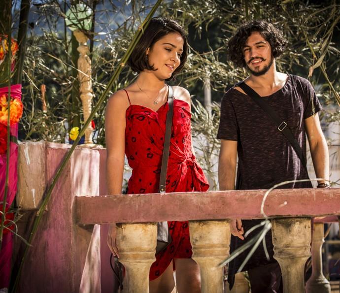 Aproximação de Olívia e Miguel não chega aos ouvidos de Afrânio (Foto: Inácio Moraes/ Gshow)