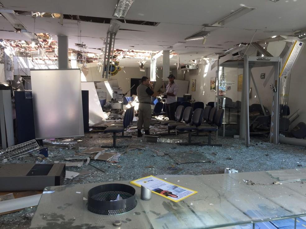 Banco do Brasil foi explodido durante ação criminosa em Ipueiras/CE (Foto: Mateus Ferreira/TV Verdes Mares)