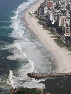 Praia da Barra, Postinho, Surfe, poluição (Foto: Moscatelli/Olho Verde)