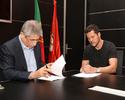 Julio César renova contrato com o Benfica por mais duas temporadas