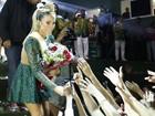 Claudia Leitte é recebida como rainha na Mocidade Independente