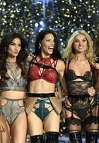 Victoria's Secret leva timaço de tops e Lady Gaga para desfile em Paris