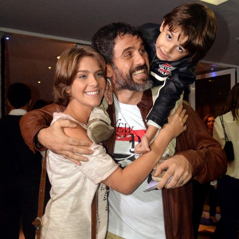 Isabella Santoni, Eriberto Leão e o filho dele, João (Foto: Cristina Granato)