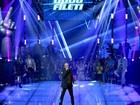 Dudu Fileti canta sucesso 'Every Breath You Take', do The Police