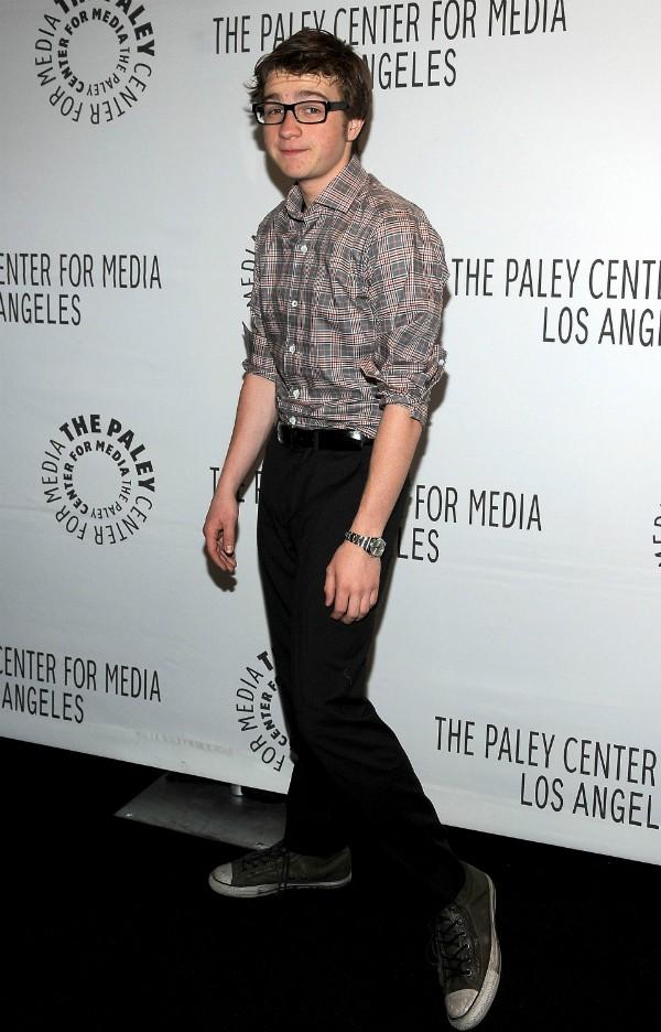 Angus T. Jones com 17 anos levou US$7,7 milhões em suas últimas participações em Two and a Half Men (Foto: Getty Images)