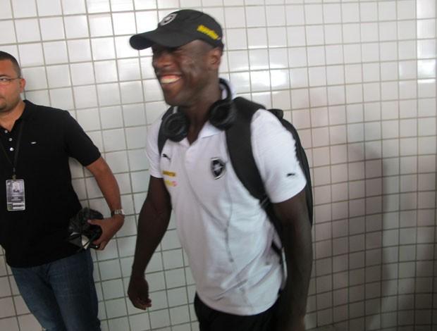 Seedorf chegada ao Engenhão Botafogo (Foto: Gustavo Rotstein)