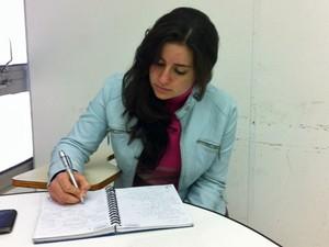 Giulia Marcondes Guimarães, de 19 anos, quer estudar medicina (Foto: Vanessa Fajardo/ G1)