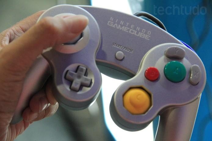 O controle do GameCube ainda é o melhor para jogar Super Smash Bros. (Foto: Isadora Díaz/ TechTudo)