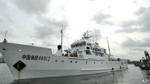 Com navios, China quer reforçar sua reivindicação sobre ilhas Paracel (Foto: AP)