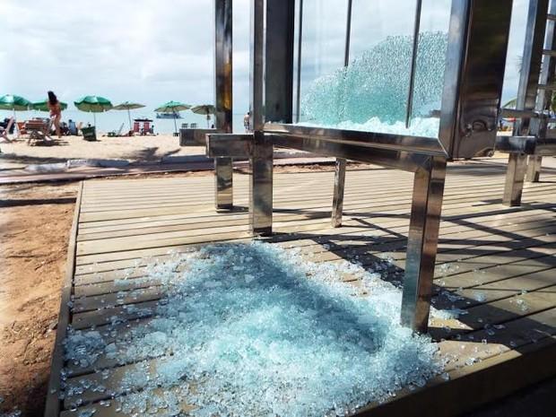 G1 v ndalos depredam mobili rio urbano esportivo na orla for J g mobiliario