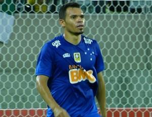 Ceará em ação pelo Cruzeiro diante o ABC (Foto: Reprodução/TVGLOBO)