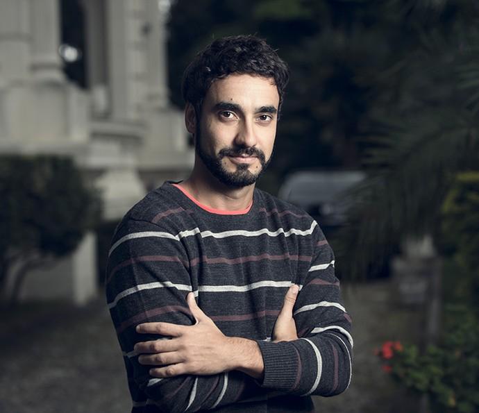 Gabriel conta que Leozinho é um vilão meio 'loser' (Foto: Ramón Vasconcelos/Gshow)