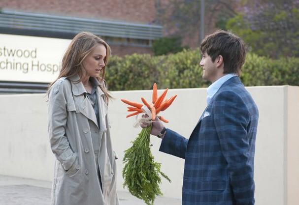 """Ashton Kutcher e Natalie Portman em cena do filme """"Sexo sem Compromisso"""" (Foto: Reprodução/Imdb)"""