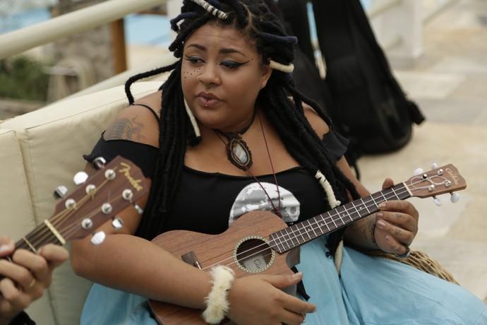 Amanda Chaves mostra estilo em gravação de Seja o que Seja (Foto: Thiago Jacobs/Gshow)