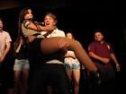Poderoso! Fã pega Anitta no colo durante show em São Paulo