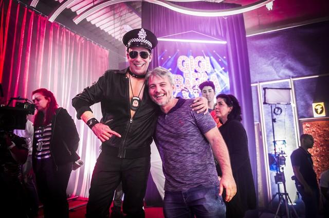 Marcelo Médici e Fred Mayrink nos bastidores de 'Haja coração' (Foto: TV Globo)