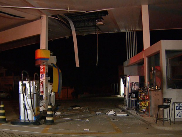 Posto de combustíveis em Hortolândia danificado após explosão de dinamite (Foto: Reprodução EPTV)