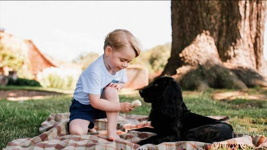 Príncipe George faz três anos de idade