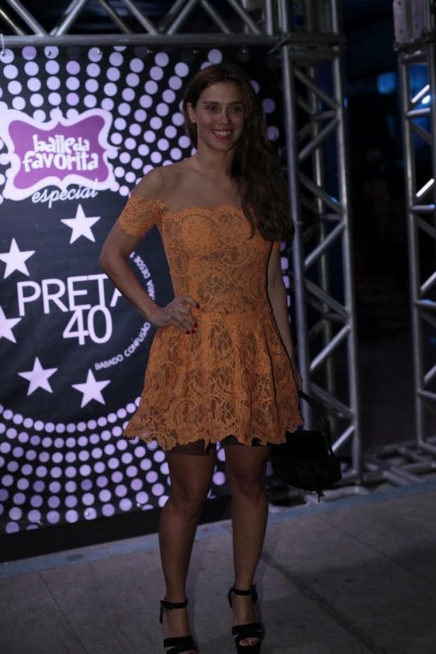 Carolina Dieckmann em festa no Rio (Foto: Isac Luz/ EGO)