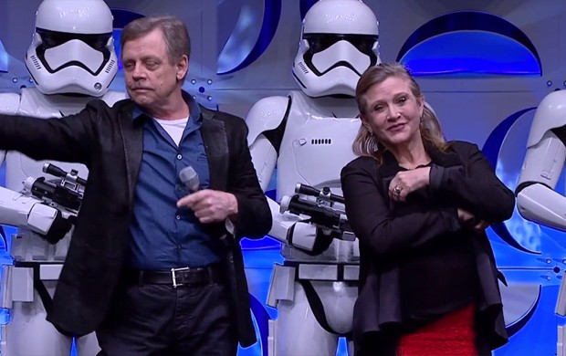 Mark Hamill e Carrie Fisher, os personagens Luke Skywalker e Leia Organa de 'Star Wars', durante o evento Star Wars Celebration (Foto: Reprodução)
