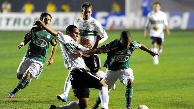 Valdivia, Palmeiras x Coritiba (Foto: Marcos Ribolli  / Globoesporte.com)