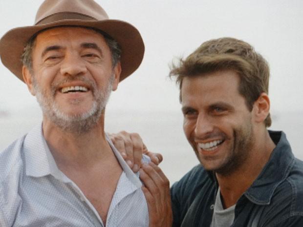 Cassiano e Duque chegam ao Brasil (Foto: Flor do Caribe / TV Globo)