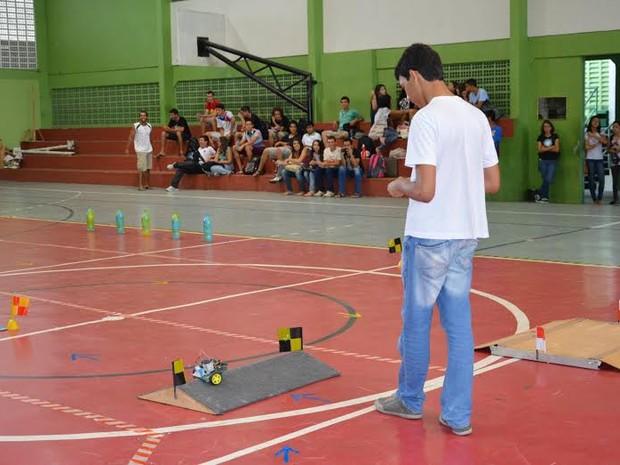 Competição de robótica no campus do IFPB em João Pessoa em 2014 (Foto: Acervo/IFPB)