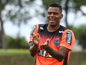 Depois de um mês em recuperação, Maicosuel pode voltar a campo pelo Atlético-MG (Foto: Bruno Cantini)