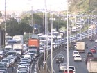 Saída para feriado movimenta ferry, estradas e lanchas em Salvador