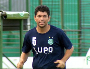 Schwenck faz primeiro treino pelo Guarani (Foto: Carlos Velardi / EPTV)