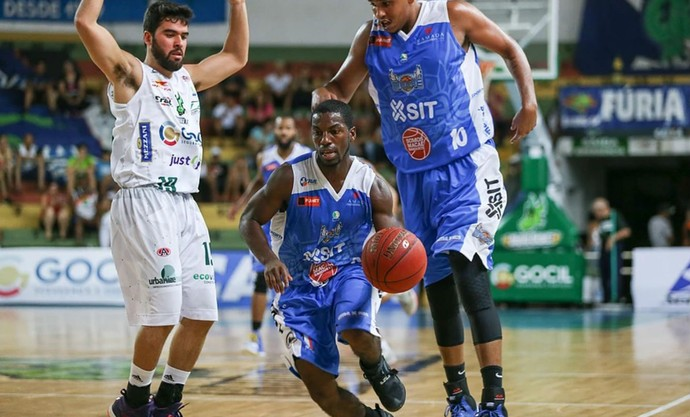 Bauru Basket x Macaé, NBB 9, Gegê, Anthony (Foto: Caio Casagrande / Bauru Basket)