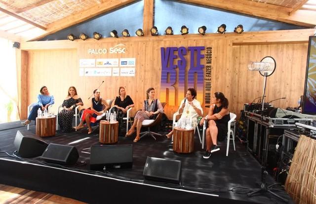 As palestrantes no palco do Veste Rio (Foto: Reginaldo Teixeira)