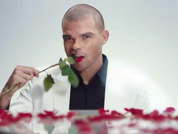 Pepe em comercial do dia dos namorados