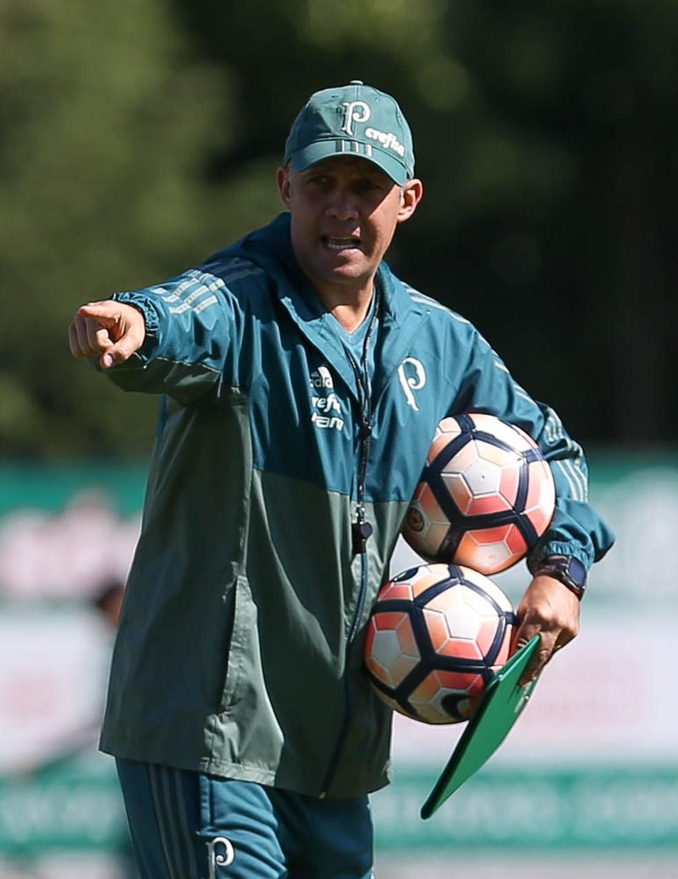 Eduardo Baptista foi o técnico do Palmeiras até o início do mês de maio. Ele deve ser apresentado nesta terça (Foto: Cesar Greco/Ag. Palmeiras)