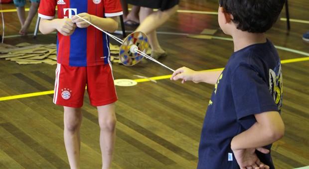 Na atividade, as crianças poderão desenvolver o próprio brinquedo (Foto: Divulgação)