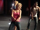Antônia Fontenelle vai até o chão em baile funk e ganha elogio da sogra